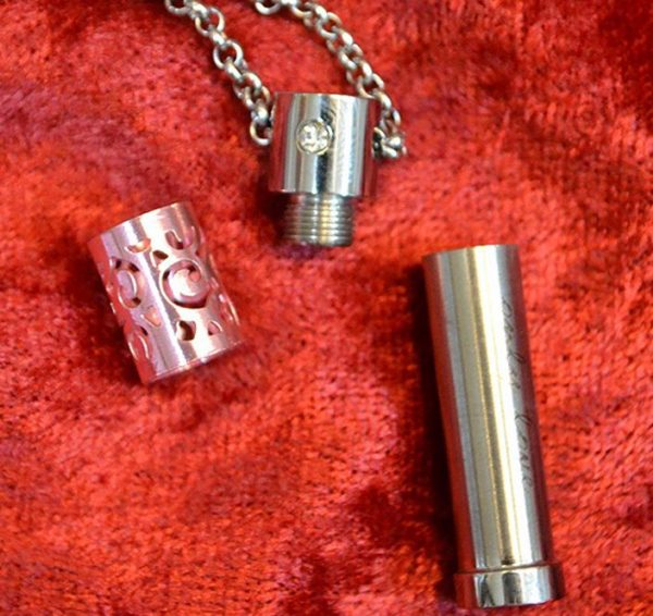 stainless-steel-aroma-oil-necklace-pendant