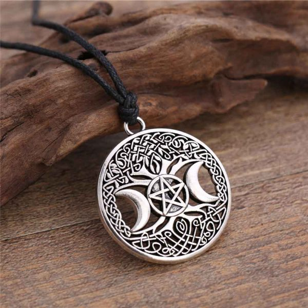 Dawapara-Triple-Moon-Goddess-Wicca-Pentagram-Magic-Amulet-Necklace-Women-tree-of-life-moon-necklaces-pendants-1